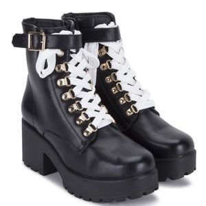 a59d6cdea2b KOI Footwear Ithil Chunky Combat Boot - NEW IN BOX